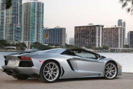 2013-Lamborghini-Aventador-Roadster-rear-three-quarters